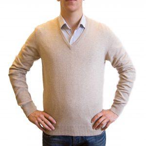 Beige v-neck cashmere sweater front