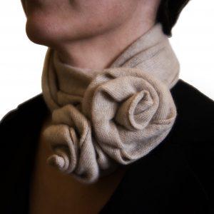 Beige rose collar cashmere scarf detail